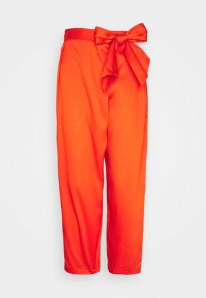WRAP TROUSER WITH TIE BELT - Trousers - orange