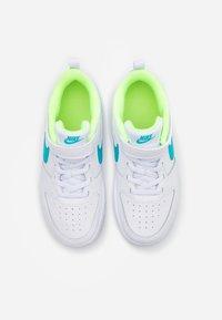 Nike Sportswear - COURT BOROUGH 2 UNISEX - Baskets basses - white/oracle aqua/hyper blue/ghost green - 3