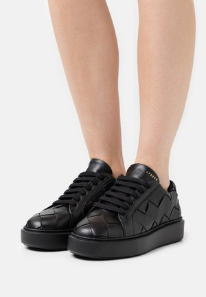 CPH421 - Trainers - black