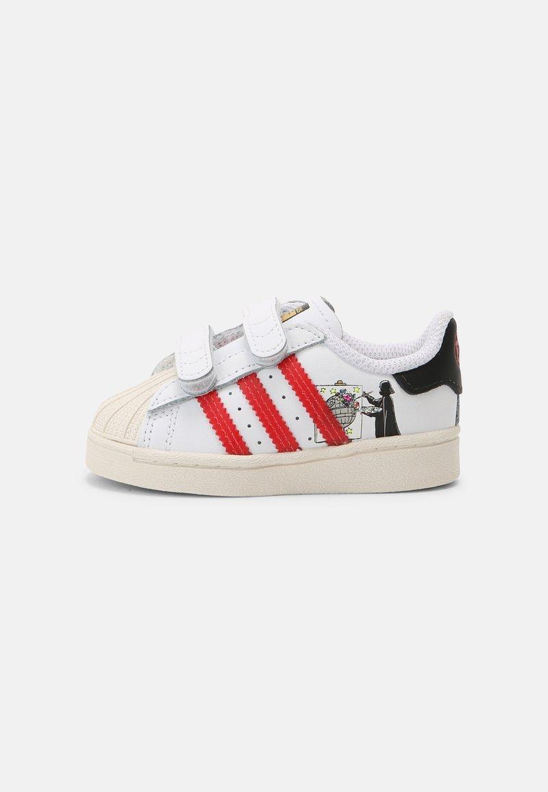 adidas Originals - SUPERSTAR UNISEX - Sneakers - white/scarlet/chalk white