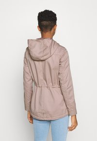 ONLY - ONLLORCA - Parka - adobe rose - 2