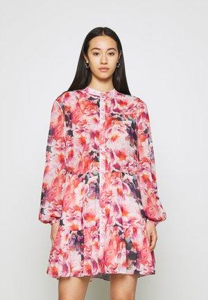 SOLEIL DRESS - Vestido informal - peach