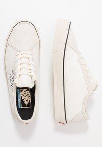 Vans - DIAMO NI - Sneakersy niskie - marshmallow/turtledove - 1