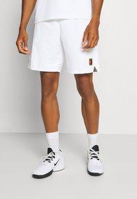 Nike Performance - ACE SHORT - Träningsshorts - white - 0