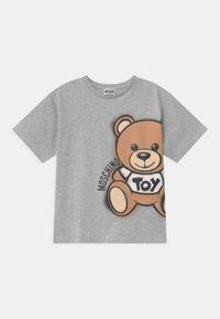 MOSCHINO - MAXI UNISEX - Print T-shirt - grey - 0