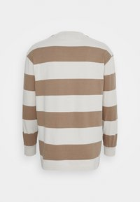 Han Kjøbenhavn - BOXY TEE LONG SLEEVE - Long sleeved top - offwhite - 6