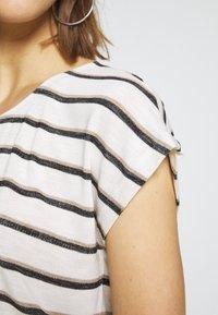 Vero Moda - VMWIDE KATHY STRIPE  - Print T-shirt - snow white - 5