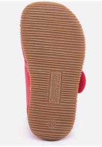 Giesswein - STRASS - Domácí obuv - red - 3