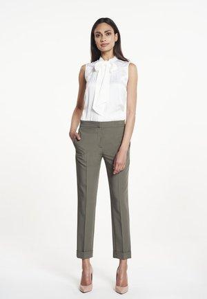 EVI - Trousers - khaki