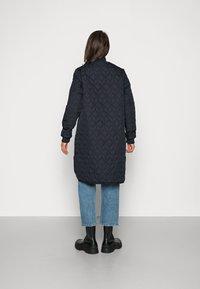 Ilse Jacobsen - PADDED QUILT COAT - Classic coat - dark indigo - 2