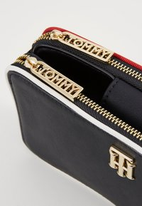 Tommy Hilfiger - CITY MINI CROSSOVER - Clutch - multi - 5