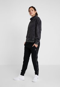 Reebok - OVERSIZED COVER UP - Sweater - black - 1