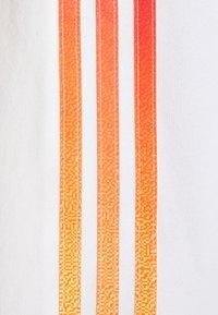 adidas Originals - UNISEX - Sweatshirt - white/multicolor - 7