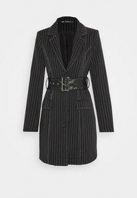 Missguided - PINSTRIPE DRESS - Denní šaty - black - 4