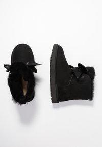 UGG - GITA BOW MINI - Classic ankle boots - black - 3