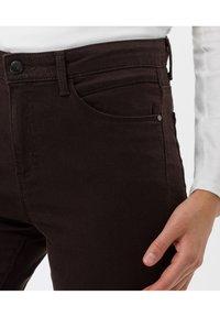 BRAX - STYLE SHAKIRA - Jeans Skinny Fit - brown - 4
