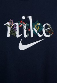 Nike Sportswear - BOXY NATURE - Print T-shirt - obsidian - 6