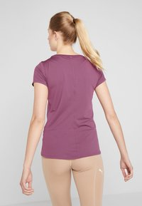 Under Armour - T-Shirt basic - level purple/metallic silver - 2