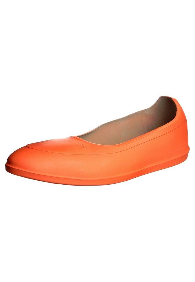 CLASSIC - Slip-ons - orange