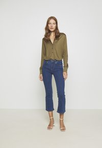 Twist & Tango - JO - Flared Jeans - mid blue - 1