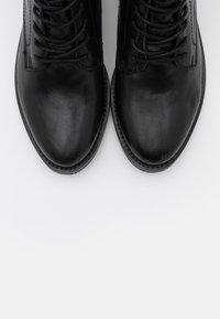 Apple of Eden - DEMI - Kotníková obuv - black - 5