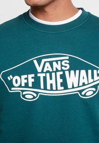 Vans - CREW - Sweatshirts - dark green - 5