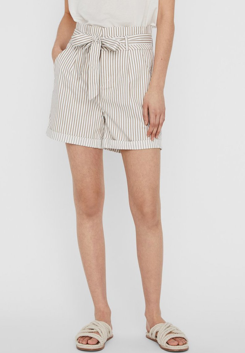 Vero Moda - PAPERBAG - Shorts - beige