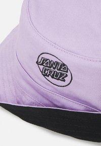 Santa Cruz - OPUS JAPANESE DOT HAT UNISEX - Hat - black/lilac - 3