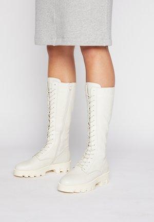 PILAR  - Platform boots - offwhite