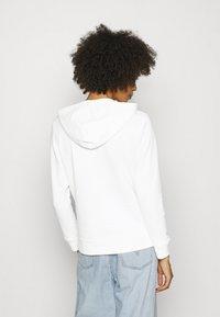 GAP - V-GAP ARCH - Sweatshirt - white - 2