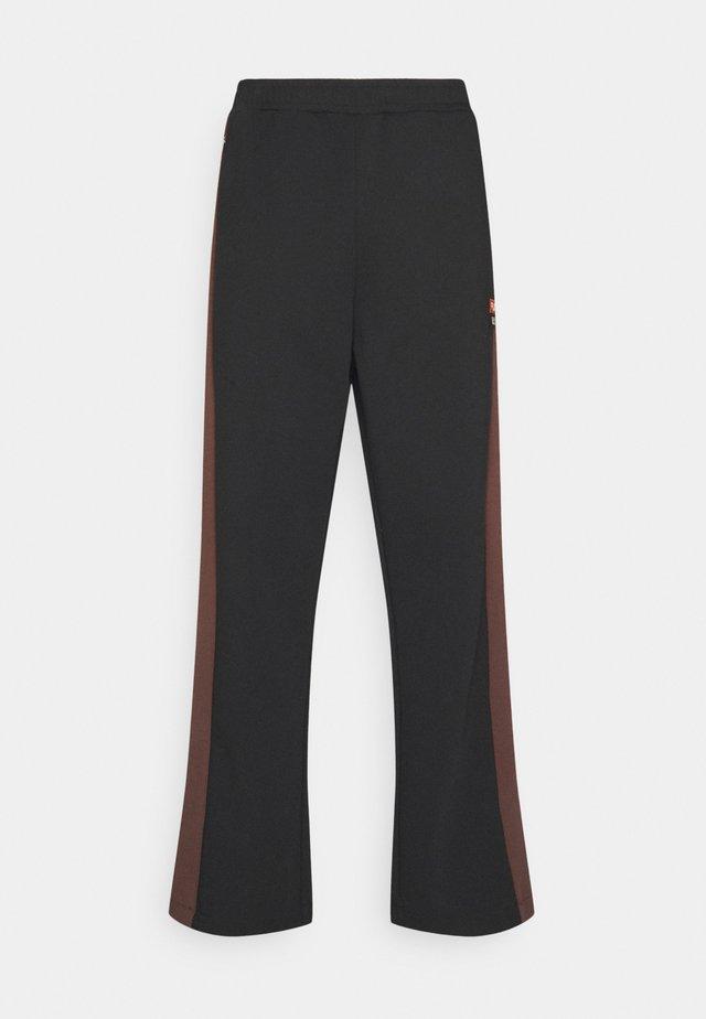 PETE - Pantalones deportivos - black beauty/potting soil