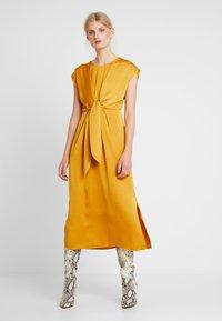 Love Copenhagen - LORALC DRESS - Maxi dress - golden glow - 0