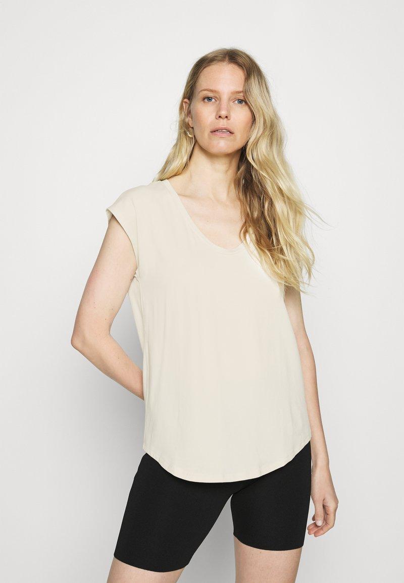 GAP - SCOOP - Jednoduché triko - chino