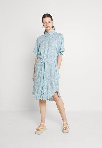 Skjortekjole - blue dusty light