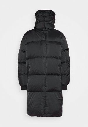 PUFF THINK TWICE - Kabát zprachového peří - black