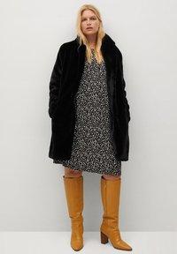 Violeta by Mango - OSO7 - Winter coat - schwarz - 4