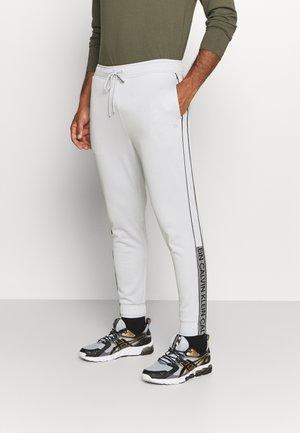 PANT - Teplákové kalhoty - stone grey/black