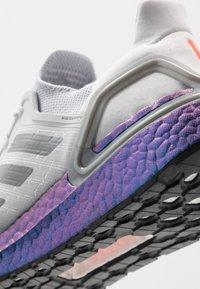 adidas Performance - ULTRABOOST 20 PRIMEKNIT RUNNING SHOES - Zapatillas de running neutras - dash grey/grey three/blue vision metallic - 5