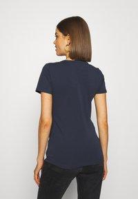 Tommy Jeans - SKINNY STRETCH V NECK - T-shirts basic - blue - 2
