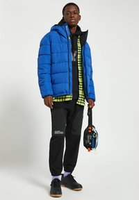 PULL&BEAR - Winter jacket - royal blue - 1
