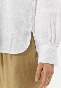BRAX - STYLE VIVIAN - Button-down blouse - white - 4