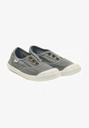 PITAS  INGLES - Zapatillas - gris