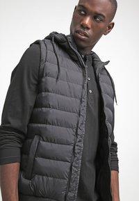 Urban Classics - SMALL BUBBLE - Waistcoat - black - 3