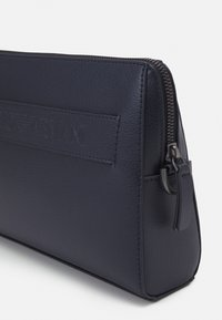 Emporio Armani - BEAUTY BAG UNISEX - Wash bag - navy - 3