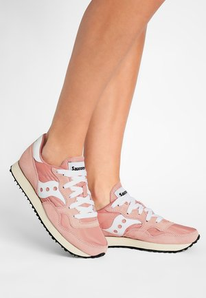 DXN TRAINER VINTAGE - Sneaker low - peach/white