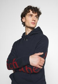 Abercrombie & Fitch - EXPLODED LOGO - Sweatshirt - navy - 3