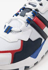Tommy Jeans - COOL RUNNER - Trainers - white - 5