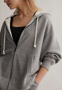 OYSHO - Zip-up hoodie - light grey - 5
