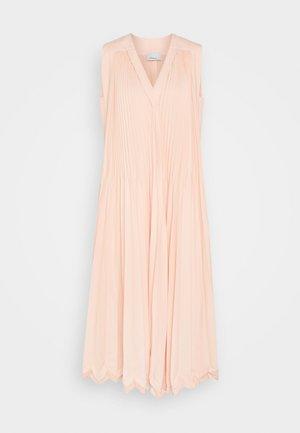 3-TIER PLEATED V NECK DRESS - Robe de soirée - peach