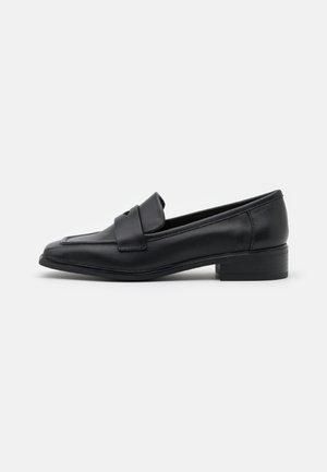 TAODIA - Nazouvací boty - black